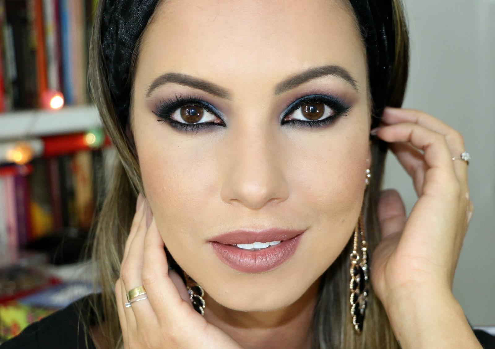Muitas vezes Maquiagem Árabe   Smokey Eyes Azul   Juliana Goes ER29