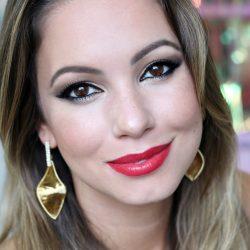 Tutorial Festa | Maquiagem Dourada, Delineador e Batom Vermelho