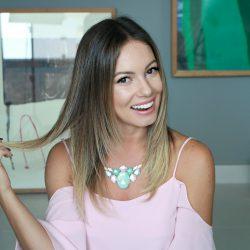 Como manter o Cabelo Liso em Dias de Umidade Alta | All Things Hair