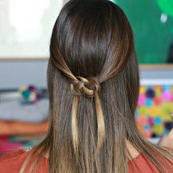 Penteado Meio Preso com Nó Celta | All Things Hair