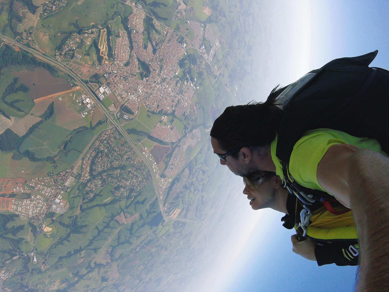 Saltar De Paraquedas Nunca Superação E Coragem Juliana Goes