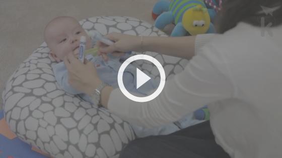 bebê senta com quantos meses - atividade hora da academia