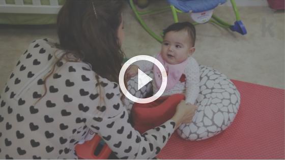 atividade para ajudar bebê a sentar