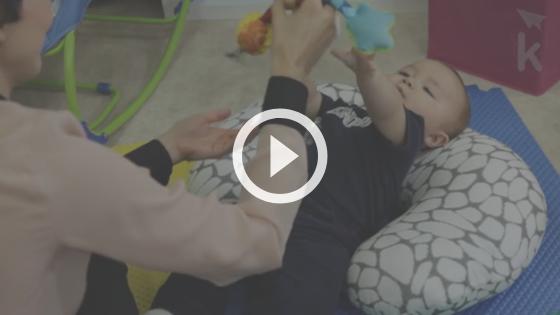 quando o bebe senta