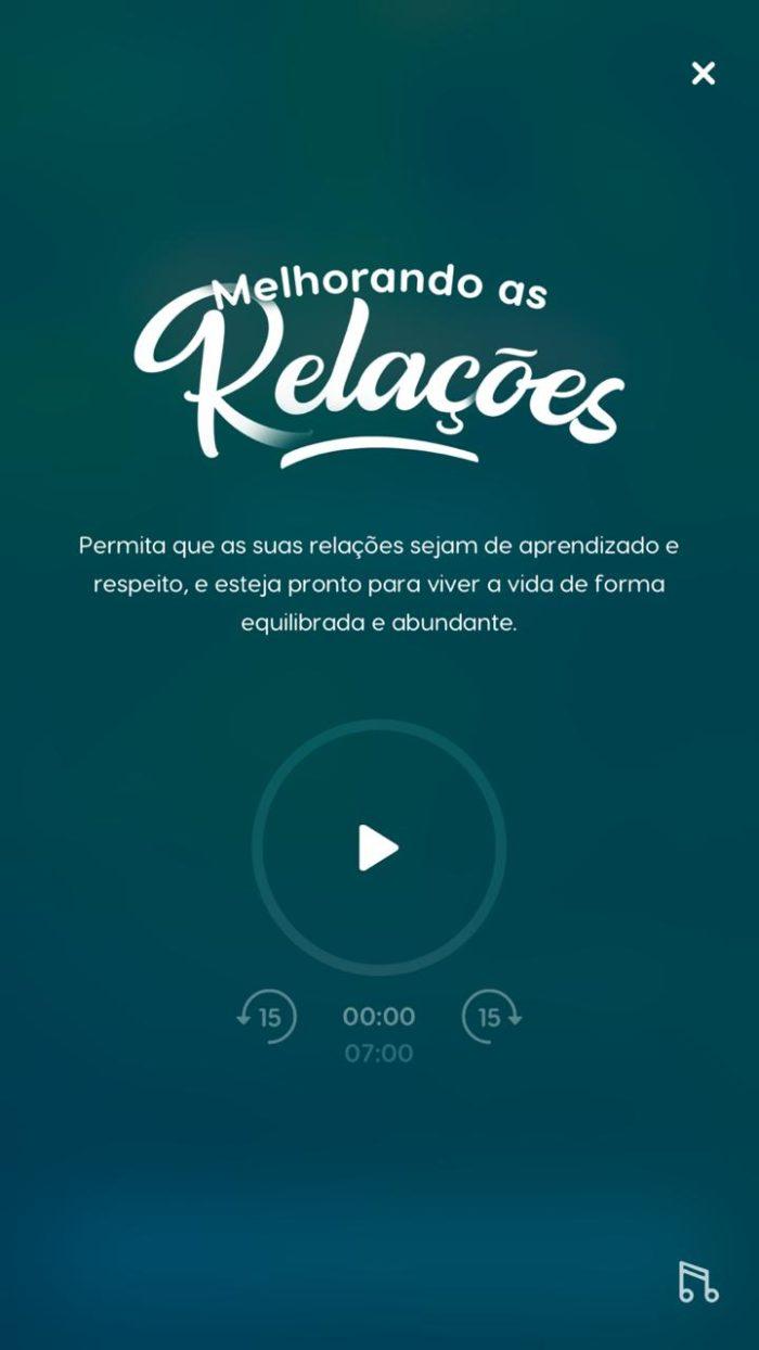 """imagem mostra a tela do aplicativo Zen, com a meditação """"Melhorando as Relações""""."""