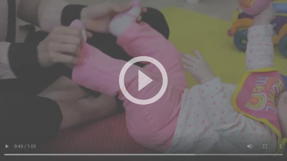 atividade para ajudar com gases no recém-nascido