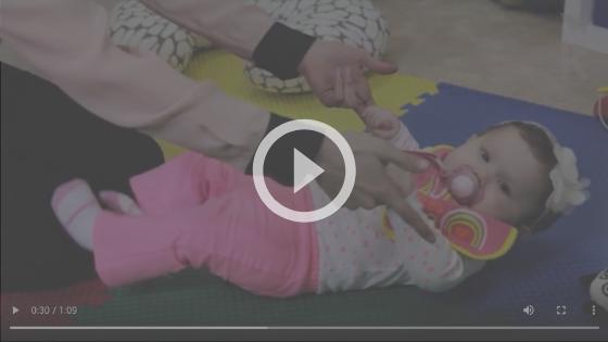 atividade motora bebê de 4 meses